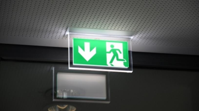 La réglementation des portes de secours